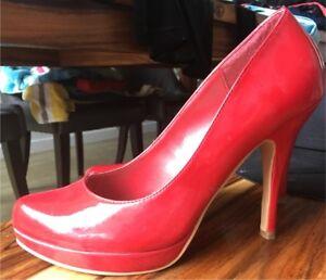 Chaussures rouges à talons