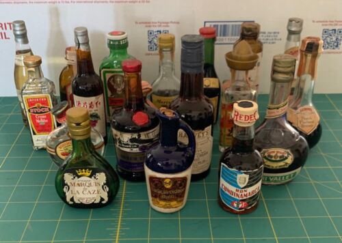 25 Vintage Glass Mini Liquor Bottles Tax Stamp Collection Sealed Empty Lot
