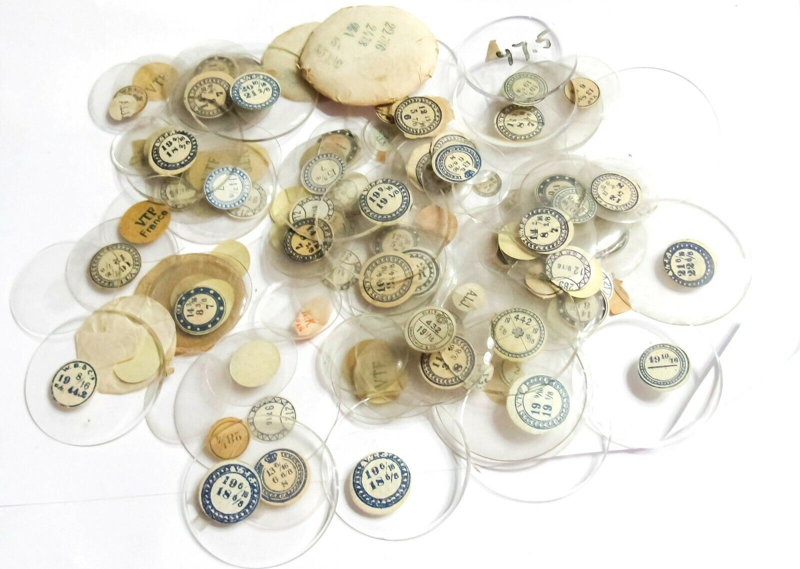 A LARGE DEAL LOT - NOS GLASS POCKET WATCH CRYSTALS 70A  - $32.79