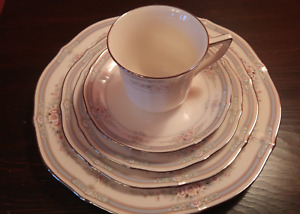 Noritake 'Rothschild'  Complete Place Setting for 7