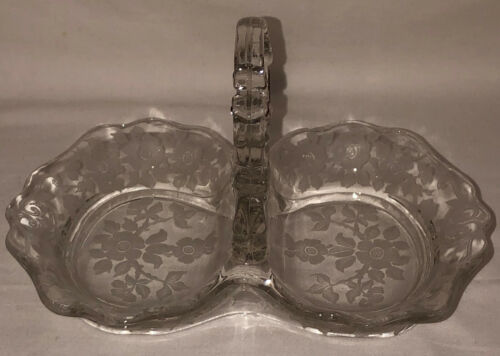 "Cambridge APPLE BLOSSOM CRYSTAL 7 1/2"" - 2 PT RELISH W/CENTER KEYHOLE HANDLE"