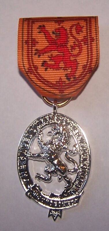 UK Royal Scotland Scottish Medal Lion King Family Clan Arms Crest Seal COA Case