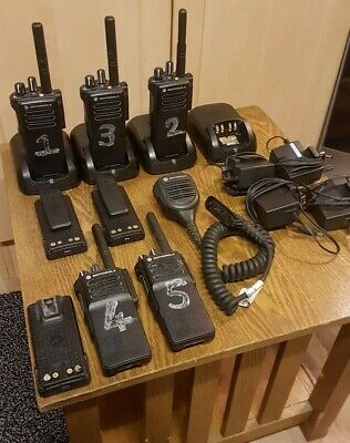 MOTOROLA DP4400e DIGITAL TWO WAY RADIOS UHF WALKIE TALKIES MOTOTRBO PROFESSIONAL