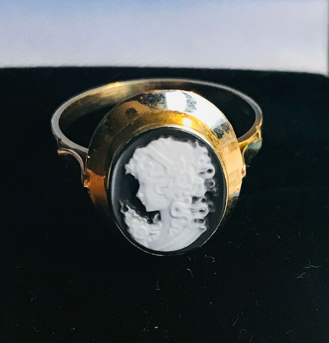 18 Karat Goldring Cameo Kamee 750 Gold Ring