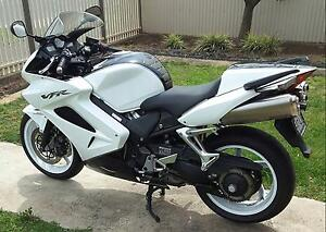 2012 vfr800 Tri-colour as new condition 2004 kms Pennington Charles Sturt Area Preview