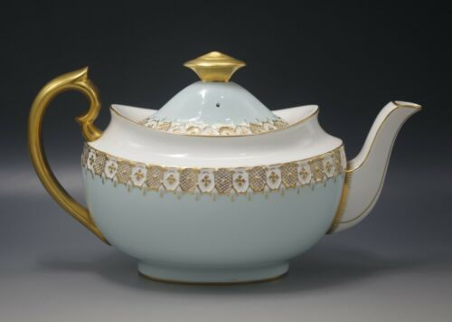 ROYAL CROWN DERBY HERALDIC GOLD BLUE AND WHITE TEAPOT VINTAGE