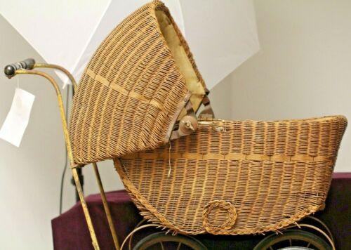 LLOYD LOOM PRODUCTS ANTIQUE WICKER BABY STROLLER ca 1917-1920