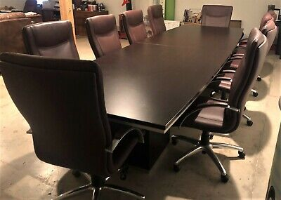 12 Executive Modern Conference Boat Shaped Table With 10 Leather Chairs.