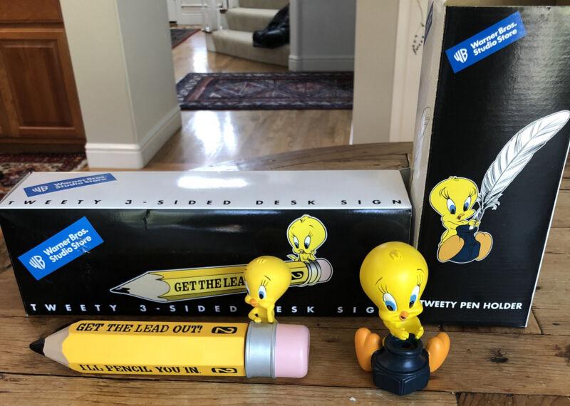 Warner Brothers store exclusive - Tweety Bird pen holder And Desk Sign