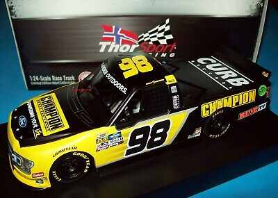 CHASE BRISCOE #29 2017 COOPER STANDARD THROWBACK 1//24 NEW IN STOCK FREE SHIPPING