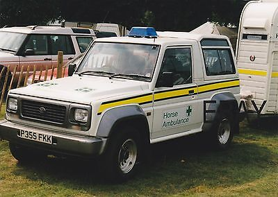 "Original 7"" x 6"" Colour Photo of a Diahatsu Fourtrak Horse Ambulance"