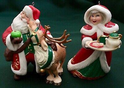 Hallmark 2019 Santa and His Reindeer & Mrs. Claus KOC Event Exclusive set of 2  ()