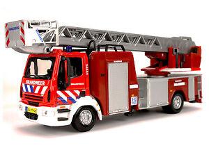 IVECO Magirus Feuerwehr Drehleiter Modell 150E28 Modellfahrzeug Burago 1:50
