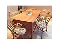 Fantastic farmhouse table with 6 traditional chairs, excellent condition, 5x 3ft