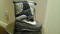 NEW COLUMBIA WINTER BOOTS SIZE 6 UNISEX TAGS ATTACHED