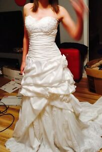 Gorgeous Ivory Wedding Gown