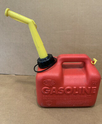 Vintage Chilton Gas Can Vented 1 Gal. 6 Oz. P10 Pre Ban Spout W/ Filter. USA!
