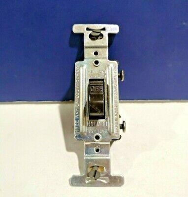 10-pk Leviton Brown Single Gang Single Pole Flush Toggle Switch 1330 New Wow