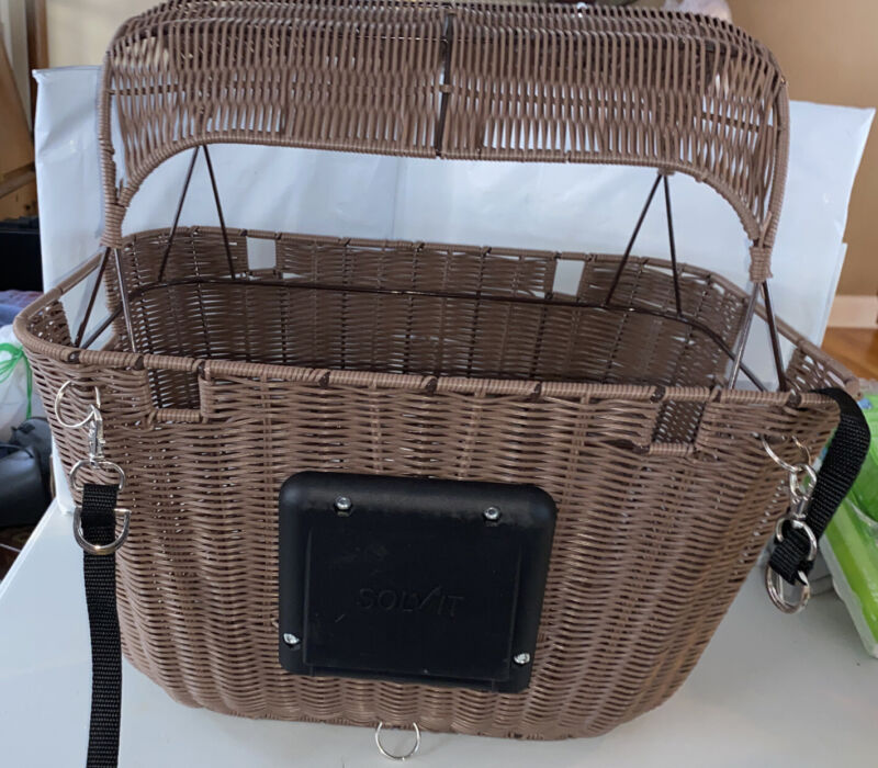 Solvit Outdoor Wicker Bicycle Basket Carrier For  Pet  Portable Bike Seat. NIOB