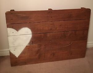 Wooden pallet for Wedding Picture display