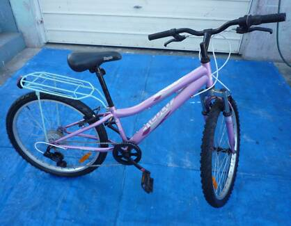 Girl / Ladies  Bicycle with Luggage Rack Inala Brisbane South West Preview