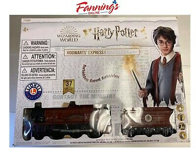 USED Hogwarts Battery Operated 37-Piece Train Set with Remote (Missing 8 Pieces)