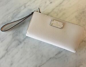 "KATE SPADE ""LAYTON"" LEATHER WRISTLET TECH WALLET-LIKE NEW!"