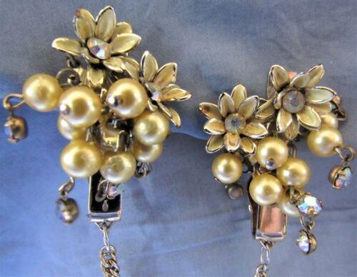 Vintage Rhinestone Faux Pearl Flower Sweater Dress Scarf Guard Clip