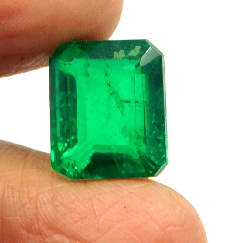 7 Cts. Faceted Green Emerald Simulant Loose Gemstone RM18572