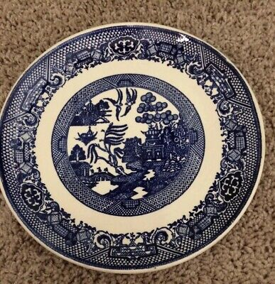 Blue Willow Luncheon Plate (Vintage BLUE WILLOW  DINNER/LUNCHEON PLATE 9 1/8
