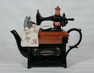 RARE! VINTAGE 1998 PAUL CARDEW COSTCO SEWING MACHINE INFUSION LARGE TEAPOT NEW