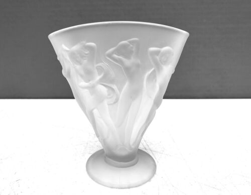 1920s Art Deco Consolidated Martele DANCING NYMPHS Nudes Satin Glass Fan Vase