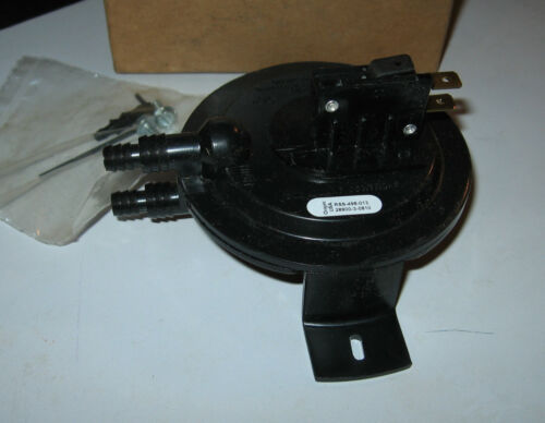 """Cleveland Controls RSS-498-013 Air Pressure Sensing Switch 1.0"""" to 4.0"""" wc"""