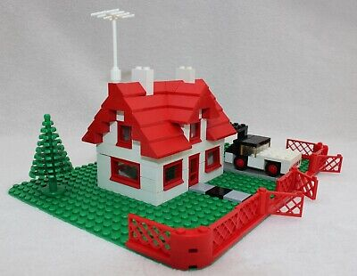 Vintage 1969/70's Lego House 346 with car, fence and gates.  Very good