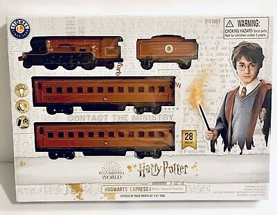 New Lionel Harry Potter Hogwarts Express Battery-Powered Ready 2 Play Train Set