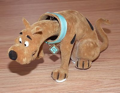 Vintage Velvet Texture Scooby-Doo Holding Up Paw Collectible Bobble Head *READ*