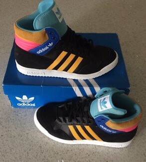 GENUINE ADIDAS ORIGINALS WOMENS HI TOP SHOES SIZE 6 OR 7 BRAND NEW
