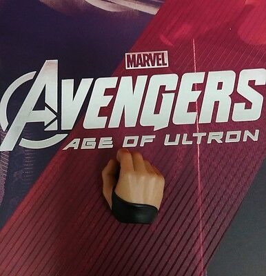 1 6 Hot Toys Age Of Ultron Hawkeye Mms289 Right Palm For Holding Bow  Us Seller