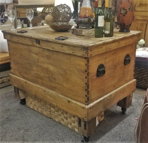 ANTIQUE INDUSTRIAL FARMHOUSE KITCHEN ISLAND STORAGE WORKBENCH COFFER ON WHEELS