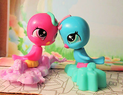 Lot of 2 Birds Littlest Pet Shop blue parakeets lovebirds pink and blue
