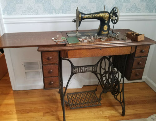 1910 Singer Treadle Sewing Machine with 7 drawer Cabinet Exc.condition -  extras