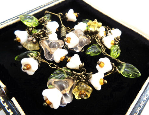 BEAUTIFUL CZECH GLASS BEAD SPRING FLOWERS VINTAGE NECKLACE