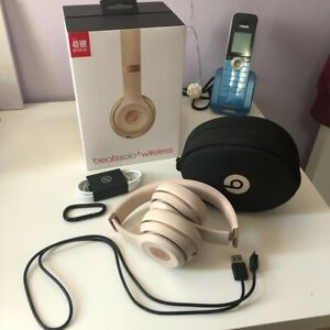 Beats Solo 3 Wireless Headphones in Satin Gold