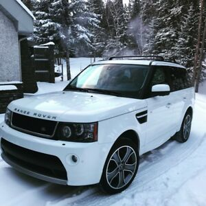 Gorgeous 2013 Range Rover Sport Super Charged