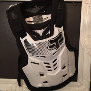 Fox Proframe LC Chest Protector: Size L/XL