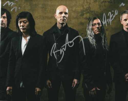 * A PERFECT CIRCLE * signed 8x10 photo * HOWERDEL, MCJUNKINS, FRIEDL * 2