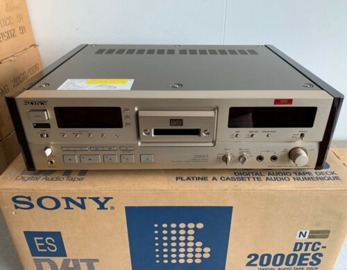 RARE VINTAGE NEW IN BOX SONY DTC 2000 ES GOLD DAT RECORDER
