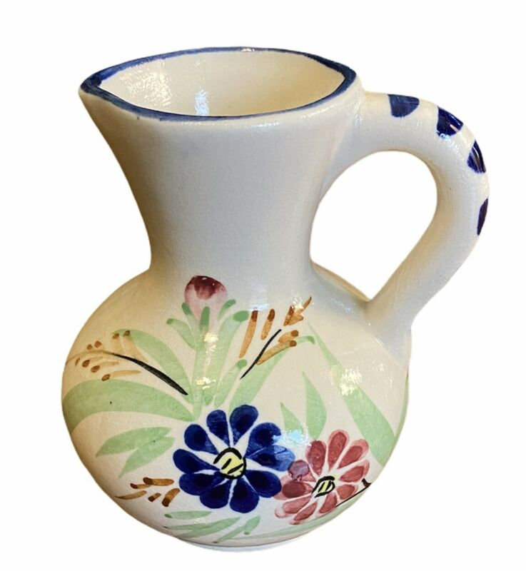 VINTAGE  HAND PAINTED CERAMIC POTTERY SM. PITCHER Floral Blue & White Unmarked