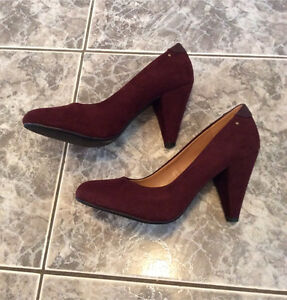 SPRING brand Burgundy velour shoes pumps soulier velour 8.5