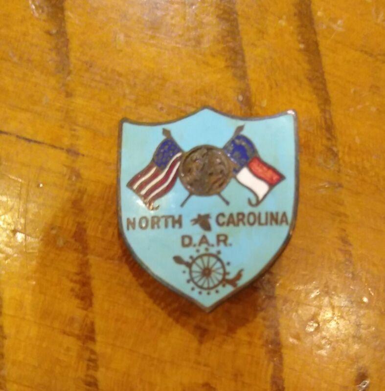 HTF Vintage North Carolina DAR Daughters of the American Revolution  pin